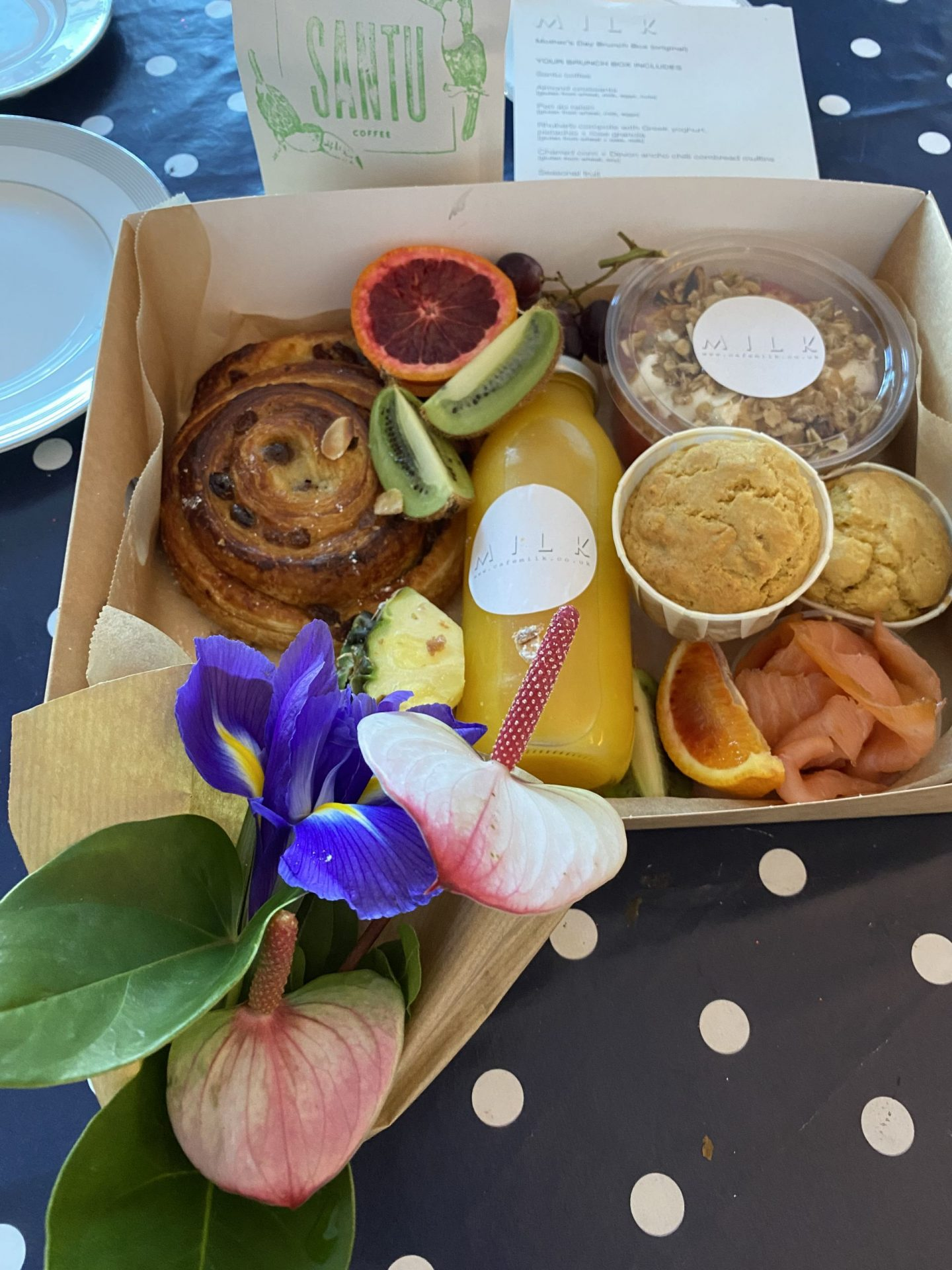 A super tasty brunch at home – The cafe milk launch their Mother's Day Hampers